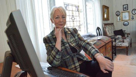 FORTVILER: Kollektivtilbudet i Krødsherad er forkastelig, og det tar nå lengre tid å reise med buss Vikersund-Noresund t/r enn det tar å fly til New York, sier en oppgitt Laila Strand.