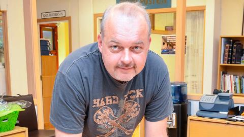 Redaktør Knut Bråthen