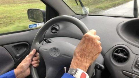 ELDRE TRAFIKANTER: Det er de eldste bilførerne som er mest utsatt for å bli alvorlig skadet eller drept i trafikken. Og verst er det for menn.