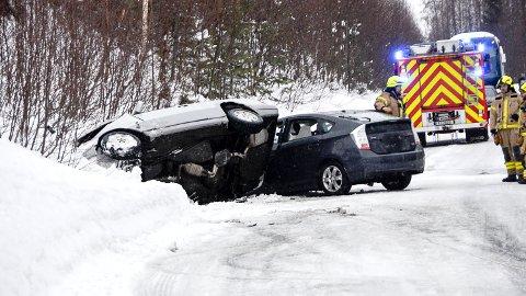 ULYKKE: Tre personer ble skadet i den alvorlige ulykken nord for Noresund, søndag ettermiddag.