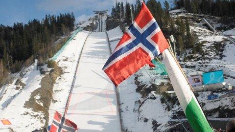 ENDELIG GODKJENT: Det Internasjonale Skiforbundet (FIS) har endelig godkjent Vikersundbakken.