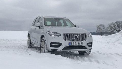 BEDRE REKKEVIDDE: Volvo XC90 har vært en stor salgssuksess med ladbar drivlinje. Nå øker rekkevidden på denne med 15 prosent.