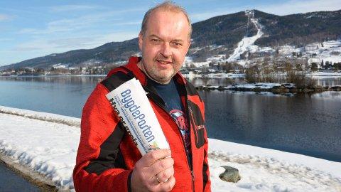 DAGENS LEDER: Av redaktør Knut Bråthen.