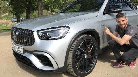 AMG: De tre bokstavene har kostet Broom-Vegard dyrt. Men nå har han fått tilbake førerkortet og er bak rattet på en AMG-bil igjen.
