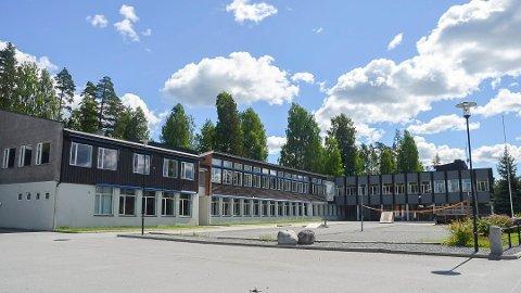 REHABILITERES: Sannsynligheten er stor for at deler av Krøderen skole blir rehabilitert framfor å bygge nytt.