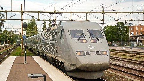 TOG: I løpet av året blir det avgjort hvem som skal drifte fjerntogene på Randsfjordbanen. Svenske SJ er trolig ett av togselskapene som ønsker å drifte banen de neste ti årene.