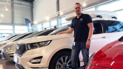 Bruktbil-sjef Kenneth Christensen rapporterer om travle sommer-uker i bilbutikken.