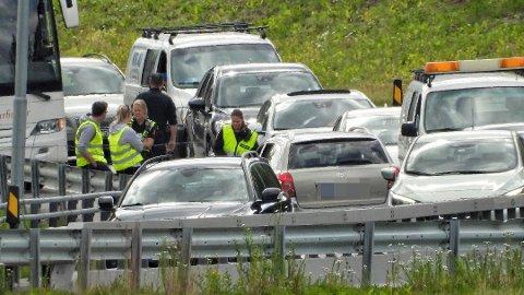 KAOS: Det oppsto kaotiske tilstander på E-134 onsdag, da en mann i 30-årene kjørte i feil kjørefelt i retning Kongsberg.