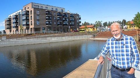 STOLT: Tidligere ordfører i Modum, Terje Bråthen (Ap) er stolt over å ha vært med å legge til rette for utbyggingen i Vikersund sentrum.