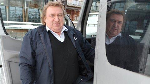 LANDA EN AVTALE: Kjell Andersen som er Fylkesleder i Norges Taxiforbund avdeling Buskerud har vært med å få på plass en avtale for taxisjåførene med Viken Fylkeskommune.  – Vi er veldig glad for at vi har fått på plass denne avtalen, forteller Andersen.