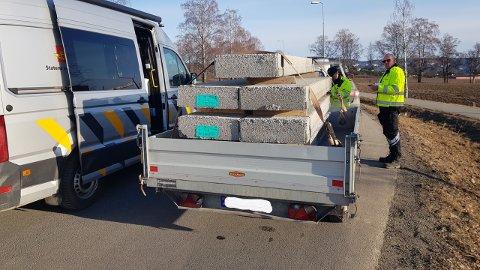 FARLIG FERD: Statens vegvesen avskiltet hengeren på stedet.