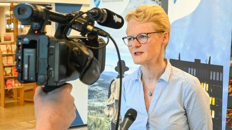SLIK BLIR HVERDAGEN: Ordfører Sunni G. Aamodt holdt pressekonferanse om den «nye» hverdagen uten regionale, men med nasjonale, tiltak.