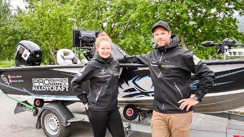 GLEDER SEG: Anette og Nils Einar Hervig gleder seg til å delta i sportsfiskearrangementet på hjemmebanen Tyrifjorden lørdag.