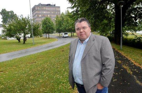 IKKE FORNØYD: Morten Wold er ikke fornøyd med rådmann Aud Norunn Strand sitt saksframlegg om situasjonen i barneverntjenesten i Midt-Buskerud. ARKIVFOTO: BYGDEPOSTEN