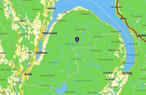 KART: I dette området var personene savnet. Politiets helikopter oppdaget rundt 01.00 spor i nærheten av Store Bumla (markert på kartet), og det er på en hytte i dette området at to av personene befinner seg mens de venter på å bli hentet ut.