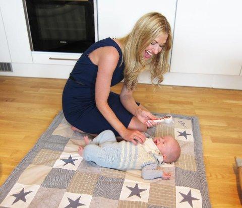Ingenting er som mamma-barn-kos på gulvet!