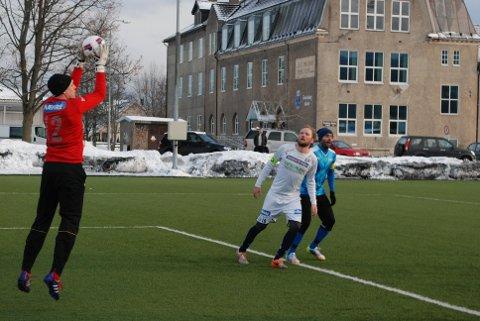 DEBUTERTE: Thomas Solvoll debuterer i MFKs keeperdrakt.