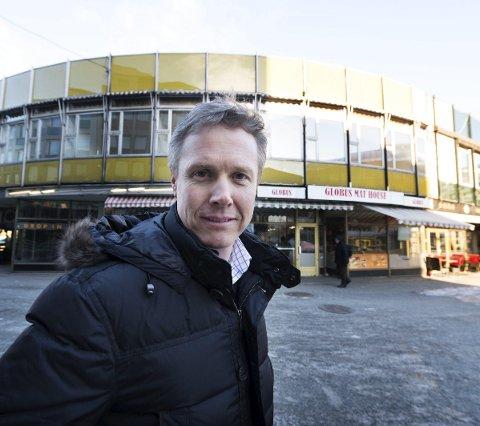 Liv: Et hotell/næringsbygg vil gi byliv på Strømsø, mener Odd Hyttedalen. I dag er det svært lite liv rundt Globusgården.