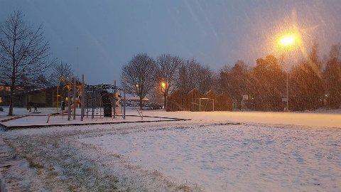ÅRETS FØRSTE: Hennummarka skole på Tranby fredag ettermiddag.