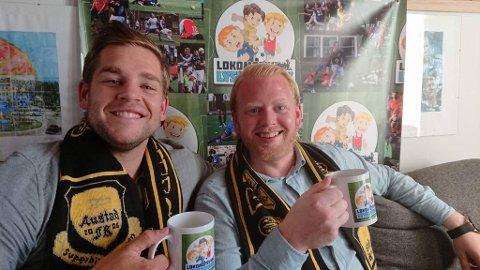 BLIDE GUTTER: Christopher Hegg (t.v.) og Petter Grahl er gjester i ukens episode av Lokomotiv Lyskestrekk.