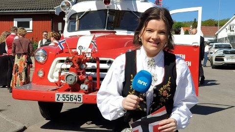 LEDE GULLREKKA: Karoline Stangnes (24) kommer fra Steinberg, og jobber som programleder for NRK P1 Vestfold. Nå skal hun være programleder for Norges mest sette TV-program, Norge Rundt.