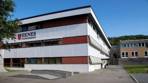 Rundt 45 elever er satt i karantene etter et smittetilfelle på Eknes ungdomsskole i Krokstadelva.
