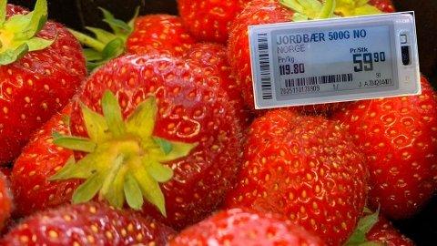 KORONA-PRIS: Opp mot 60 kroner for jordbærene inn i juli er høy pris. - Det er ikke like stor tilgang på plukkere og dermed blir tilbudet mindre enn i et normalår, sier Silje Alisøy, kommunikasjonsrådgiver i Coop. Foto: Morten Solli (Nettavisen)