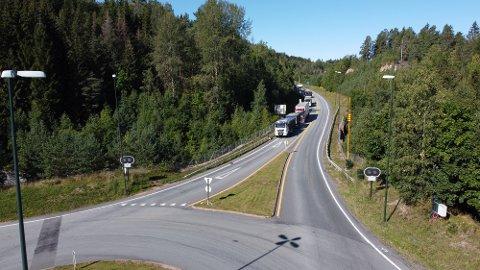 Det oppsto lange køer tirsdag morgen da Oslofjordtunnelen ble stengt i begge retninger.