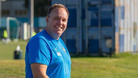 UTVIKLINGSSJEF: Harald Johannessen forteller at det gror godt på juniornivå i Strømsgodset om dagen. Klubben har som mål å utvikle egne spillere og få de helt opp på øverste nivå.