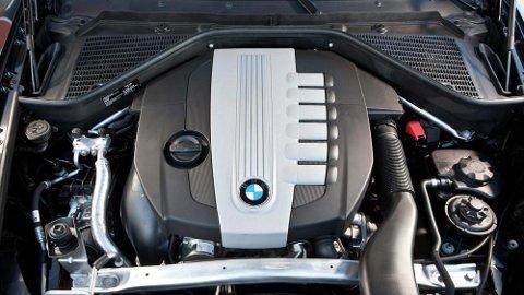 Skal vi tro forsknings- og utviklingssjefen i BMW, Klaus Fröhlich, vil det befinne seg en forbrenningsmotor i 85 prosent av BMWene som selges i 2030. Frölich mener kritikken mot særlig dieselmotoren er feilrettet. Illustrasjonsfoto