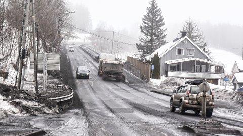 NY RV. 35: Vegdirektoratet sa mandag ja til at veivesenet skal jobbe videre med planene om firefelts vei fra Hokksund til Åmot.