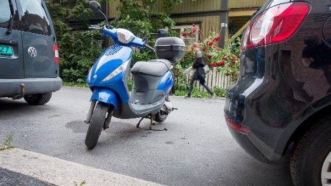 BURDE STÅTT STILLE: Mannen fra Nedre Eiker klare ikke å la være å kjøre moped, ofte i rus. Illustrasjonsfoto: NTB scanpix