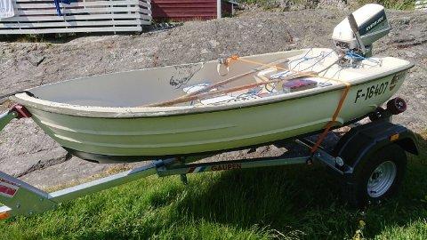 FØRSTE BÅT: 12 åringens første båt ble vrak på første tur.