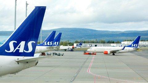 KAN BLI KAOS: Fra fredag kan det bli full stans for SAS-flyene. I Norge er det varslet streik for omkring 550 piloter. Til sammen er det omtrent 1.500 SAS-piloter i de tre landene som kan havne i en konflikt som vil påvirke store deler av flytrafikken. Illustrasjonsfoto: Gorm Kallestad/scanpix