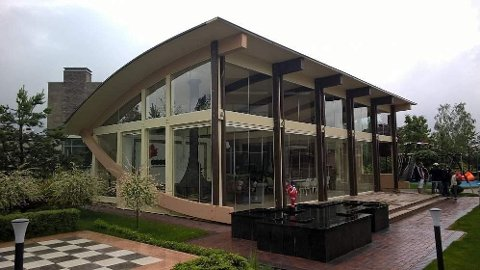 En litt dyrere ferdighus-modell: Timber Frame House fra Amazon koster 350.000 kroner. Foto: Amazon