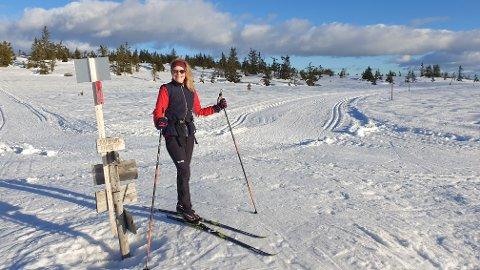 Lisbeth Sjøholt Hansen ønsker å få inn skihistorier fra hele landet. – Vi er på jakt etter historier som har satt spor.