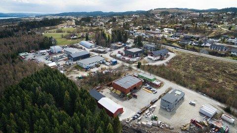 Bedrifter i Enebakk som rammes av pandemien kan nå søke om økonomisk tilskudd fra Enebakk kommune. Her ser vi Rud industriområde på Flateby.