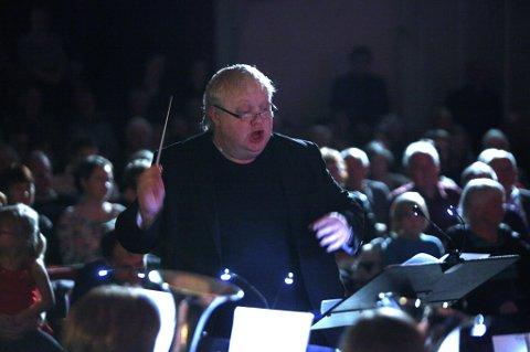 Johnny Sælemyr har lang fartstid som brass-dirigent.