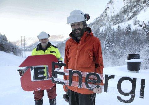 Energikommune: Per Helge Eikeland og Atle Rise i Svelgen Kraft då Elkem selde seg ut av kraftstasjonar Foto: Dag N. Frøyen