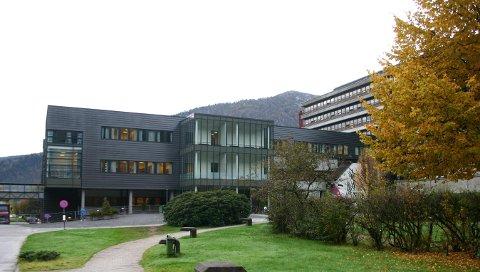 Sentralsjukehuset i Førde. foto: arki v