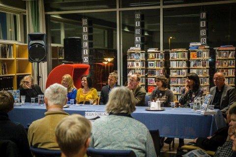 Ete fysst: Fridtjov Urdal, Marita Liabø, Heidi Hattestein, Gunnar Garfors, Vidar Nupen, Katrine Sele, Sissel Verøyvik og Rune Timberlid er åtte av 18 forfattarar som har skrive i boka «Ete fysst», gitt ut på Selja forlag. Fredag kveld samla fleire seg i biblioteket, for å høyre Liv Grimsbø intervjue forfattarane om temaet «Sunnfjord»