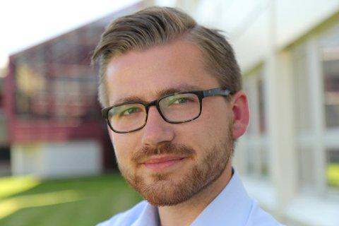 """HARD OVERGANG: Media handsamar parti i opposisjon """"snillare"""" enn parti i regjering. Det vart nok eit brutalt skifte for Høgre, seier Sveinung Rotevatn (V)."""