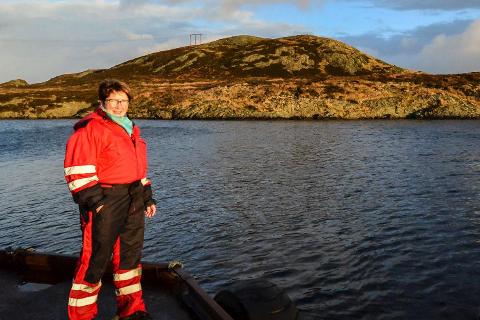VENTA LENGE: Liv Turid Gjørøy har jobba med å kunne selje tomter på Søre Gjørøy i over ti år, men no som arbeidet er i gong med oppdrettsanlegget Bulandet Miljøfisk, vil det gjere det lettare å byggje på bustadfeltet.