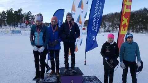 Pallen i J14-klassa: Guri Line Brekke (Førde IL), Jenny Sølvberg (Førde IL) og Johanne Støfring (Førde IL).