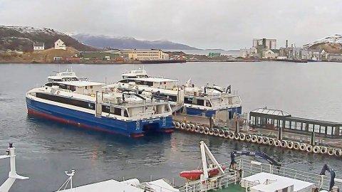 Dei nye båtane til 20 millionar som er bygd av Br. Aa og som trafikerer Nordlandskysten, har uventa fått store motorproblem, melder NRK.