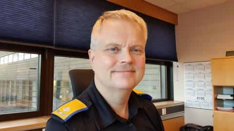 BØR HA LAGER: Stein Morten Rønningen er distriktssjef for Sivilforsvaret. Han meiner at ein bør ha eit beredskapslager i tilfelle kriser.