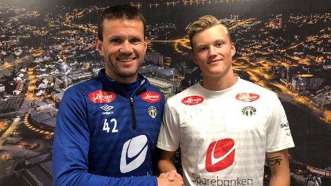 PÅ LÅN: Halldor Stenevik er ferskaste spelar inn dørene i Sogndal. Han kjem frå Strømsgodset på lån. Her saman med Eirik Bakke.