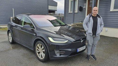ANGRA KJØPET: Marius Langø bad Tesla på Kokstad om å heve kjøpet etter at bilen hans, ein Model S, hadde stått på verkstad nærare 100 dagar. I juni kjøpte Tesla bilen tilbake. No ligg den igjen ute for sal.