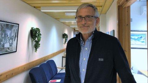 UAVKLARA: Smittervernlege Knut Cotta Schønberg i Luster ventar over helga svar på om det er mutert koronavirus dei har med å gjere i kommunen.