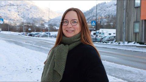 NY JOBB: Helene Langeland har fått ny jobb som sjukehusprest på Førde sjukehus. – Eg skal gjere mitt beste, seier ho.